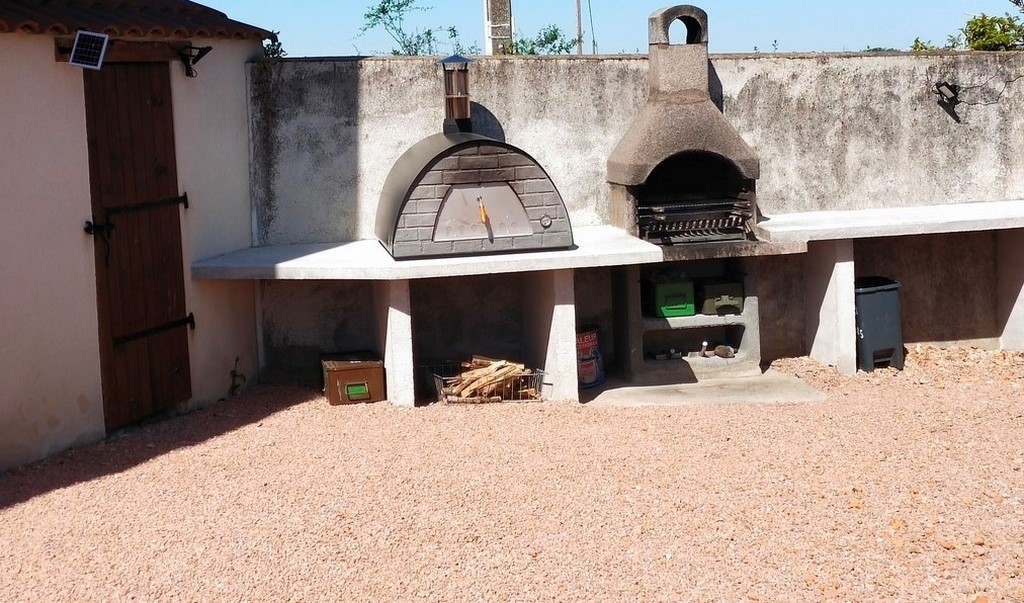 Coin four à pizza et barbecue