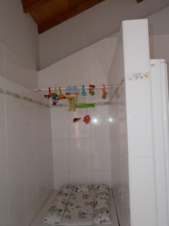 Salle de bain  au RDC : plan à langer