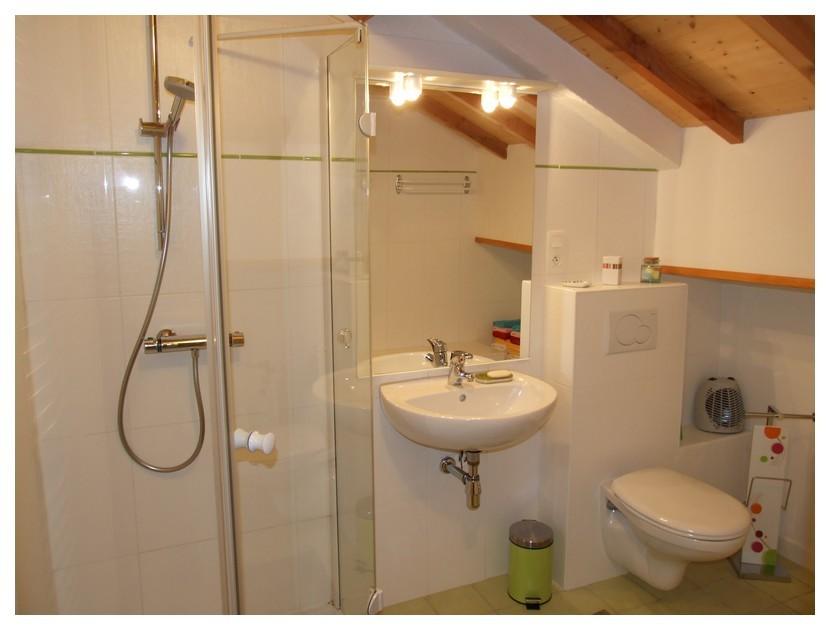 4 salles d'eau et 5 WC modernes et fonctionnels